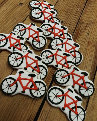 Bicycle birthday biscuits