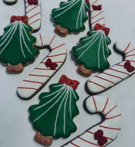 Candy canes and Christmas trees 500