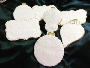 Christmas biscuits - E
