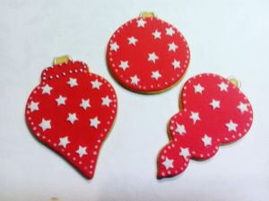 Christmas biscuits - red white baubles
