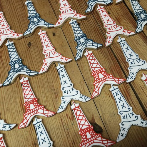 Eiffel tower thank you biscuits for Union Swiss 600