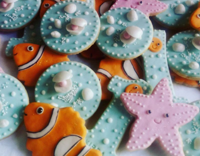 Kirra-sea-themed-biscuits-B-tiny_1 &800