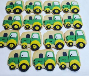 Kiddies biscuits - tractors