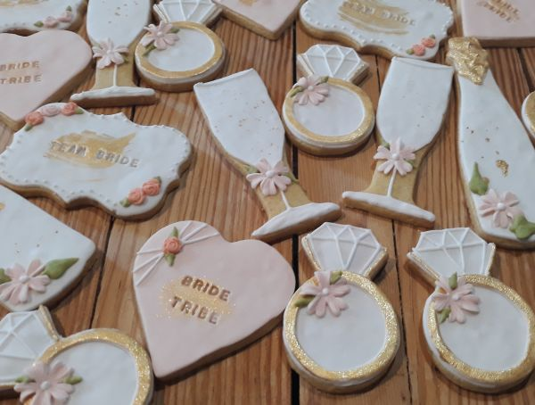 bridal shower cookies - biscuits 600